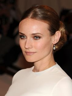 Diane Kruger- Light brown eyeliner and nude lips , hair and makeup inspo Bridal Beauty, Wedding Beauty, Bridal Makeup, Wedding Makeup, Diane Kruger, Beauty Makeup, Hair Makeup, Hair Beauty, Comic Make Up