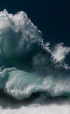 Breathtaking Images Of 50-100ft High Waves By Photographer Luke Shadbolt
