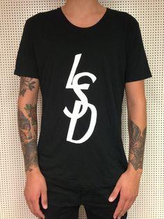 T-shirt www.famousape.net