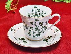 Irish Shamrock Tea Set, Tea Pot and 4 Cups and Saucers Masde In USA
