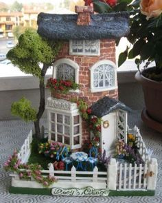 New house fachada cafe 64 Ideas Clay Houses, Ceramic Houses, Miniature Houses, Miniature Dolls, Fairy Garden Houses, Fairy Dolls, Little Houses, Dollhouse Miniatures, Diy And Crafts