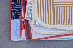 Tee Quilts in Blake Knit . Shirt Quilt, Quilt Making, Quilting Projects, Knitted Fabric, Quilts, Knitting, Tees, Tee Shirt, Pattern