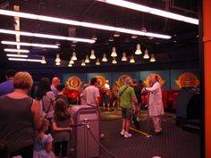 Disney Quick Tip   Fun games to play while waiting in line!