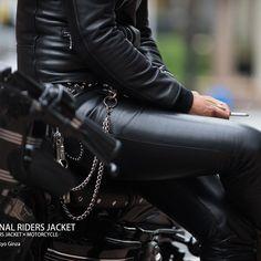#roarsoriginal #leather #leatherpants #leatherjacket #ridersjacket #riders #motorcycle #harleydavidson #sportsstar #tokyo #street #ginza #enjoyride #enjoysummer #EnjoyTheRide