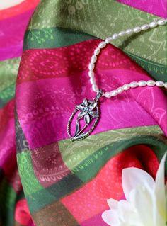 Schmuck Online Shop, Baddies, Jewelery, Handmade Jewelry, Handmade Jewellery, Brooch, Neck Chain, Silk Shawl, Prints