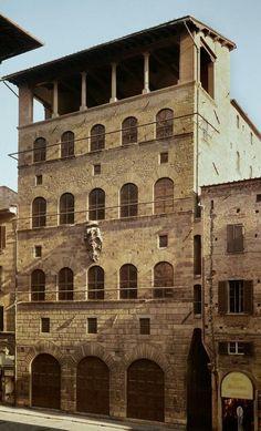 Palazzo-Davanzati_street-front.jpg (JPEG Image, 574×947 pixels)