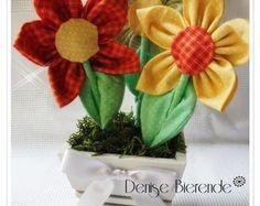 Vaso com flores de tecido