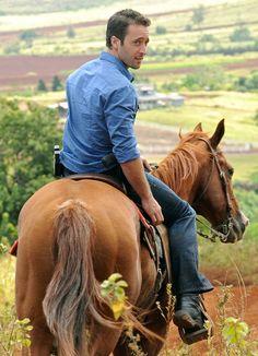 Hawaii Five-0 Photos: Horse Play on CBS.com