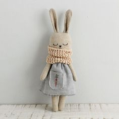 Bunny doll fabric doll made with organic linen organic cotton hemp dress and organic cotton scarf bunnydoll linendoll ecotoy organictoy organicdoll fabricdoll ragdoll Fabric Toys, Fabric Crafts, Sewing Crafts, Sewing Projects, Cotton Crafts, Paper Toys, Diy Couture, Sewing Dolls, Diy Doll