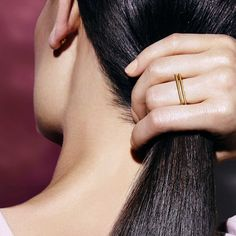 A contemporary gold ring by Mei-Li Rose — Minimalistic jewellery from Waremakers.