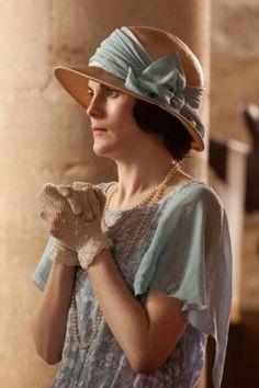 Early 1920s, white mesh gloves were idea for semi formal summer wear (Downton Abbey 2012)