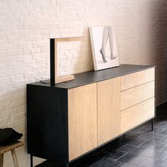 OAK BLACKBIRD SIDEBOARD 2DOORS/3DRAWERS|Furniture | THE CONRAN SHOP(コンランショップ) | THE CONRAN SHOP