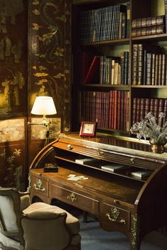 Gabrielle Coco Chanel's private Library at her Apartment at 31 Rue Cambone, Paris, photo by Lucas. Interior Exterior, Home Interior, Interior Design, Ann Street Studio, Home Libraries, Paris Apartments, Coco Chanel, Chanel Paris, Home Office