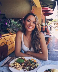 """16.5 mil curtidas, 107 comentários - Jessica Ricks (@hapatime) no Instagram: """"Enjoying the beautiful weather in downtown Burlingame ☀️"""""""