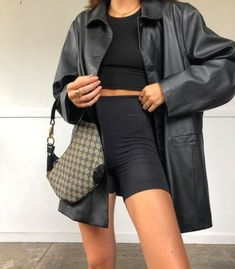 (notitle) Best Picture For friends fashion inspo For Your Taste You are looking for something, and i Street Style Outfits, Mode Outfits, Trendy Outfits, Summer Outfits, Fashion Outfits, Womens Fashion, Short Outfits, Street Style Inspiration, Inspiration Mode