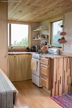 Family's Life in their Beautiful Tiny Home 009- this is literally almost perfect for what im wanting in a tiny home!