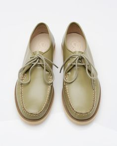 64b0f8e5f08 Leather lace-up oxford from Sperry Topsider. Features genuine handsewn  Tru-moc construction