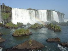 Google Image Result for http://2.bp.blogspot.com/_K1SREb6DXao/STRxtwm0JBI/AAAAAAAAArg/32jO_EIicKg/s400/Iguazu%2BFalls3.jpg