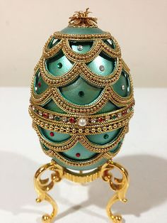 Faberge...stunning! All of those pearls and gems! ♥༺✩༻♥