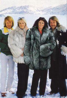 soyons-suave: ABBA présente l'Instant Fourrure de Soyons-Suave.