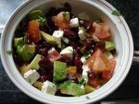 Gezonde lunchsalade met avocado en kidneybonen | Smulweb.nl