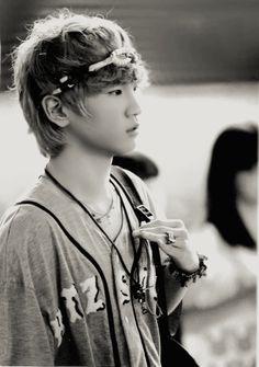 Key Shinee I love this headband he wore