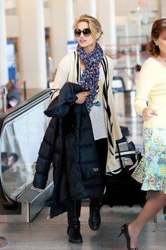 Dianna Agron Patterned Scarf