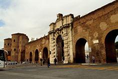 Aurelian Walls at Porta San Giovanni (1570s) and Porta Asinaria, Rome 270-273.