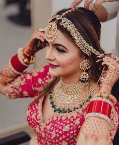 Handpicked Designer Bridal Jewellery to Complement Your Bridal Look Indian Bridal Photos, Indian Bridal Jewelry Sets, Indian Bridal Outfits, Indian Bridal Fashion, Indian Bridal Wear, Bridal Jewellery, Wedding Jewelry, Saree Jewellery, Punjabi Fashion