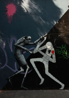 Know Hope struggles with Phlegm on the streets of Manhattan. (photo © Jaime Rojo)
