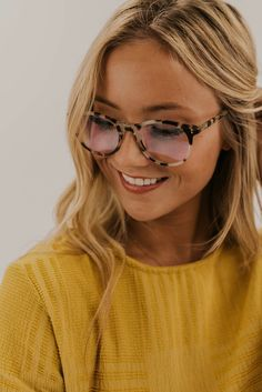 Protect your eyes with these computer glasses. Perfect blue light computer glasses you can wear all day long while still looking stylish. Glasses Outfit, Cute Glasses, Fashion Eye Glasses, New Glasses, Girls With Glasses, Glasses Frames, Glasses Style, Cheap Eyeglasses, Eyeglasses For Women
