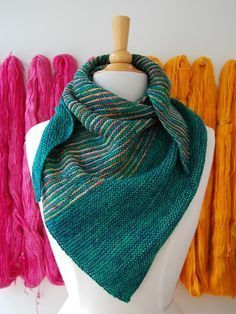 Drea's Shawl free (plus more great free patterns on this site!)