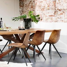 Prachtige eetkamer - #eetkamer Dining Chairs, Dining Table, End Tables, Ikea, Interior Design, Inspiration, Furniture, Thesis, Home Decor