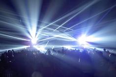 Clay Paky - Clay Paky Sharpy Fixtures Illuminate Drake's Club Paradise Tour
