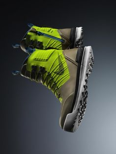 Nike introduces the new LunarTerra Arktos Modular Boot, designed in mind with the harsh weather ahead. Nike senior designer Nate VanHook developed the Nike Lunar, Sneaker Boots, All Weather Boots, Sneaker Magazine, Nike Shoes Outlet, Nike Free Runs, Swagg, Designer Shoes, Me Too Shoes