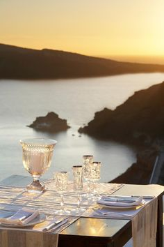 Romantic dinner, ocean view and someone special!  It can happen!  ASPEN CREEK TRAVEL - karen@aspencreektravel.com