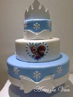 How to make fake EVA cake - Step by step Bolo Frozen, Frozen Cake, Frozen Theme Party, Frozen Birthday Party, Birthday Cake, Beautiful Cakes, Amazing Cakes, Bolo Artificial, Bolo Fake Eva