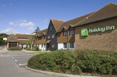 Ideally located in the prime touristic area of Bybrook, Holiday Inn Ashford Central promises a relaxing and wonderful visit. The hotel offers a wide range of amenities and perks to ensure you have a great time. To be found at the hotel are free Wi-Fi Restaurant Discounts, Restaurant Offers, Hotel Offers, Europe Holidays, Great Restaurants, At The Hotel, Good Night Sleep, Front Desk, United Kingdom