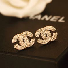 Chanel Clothes for sale Chanel Jewelry, Dainty Jewelry, Cute Jewelry, Luxury Jewelry, Jewelry Accessories, Fashion Accessories, Fashion Jewelry, Jewlery, Silver Jewellery