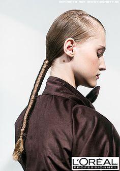 Streng gebundener, in der Länge umwickelter Zopf im Wet-Look - Wet Look Frisuren-Bilder - COSMOTY.de