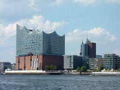 Drei Tage Hamburg - ein Kurztrip mit Elbphilharmonie, Hafenrundfahrt, Musical und einiges mehr. Hamburg ist eine Reise wert. New York Skyline, Travel, Blog, Hamburg, Viajes, Destinations, Blogging, Traveling, Trips