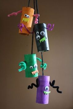 Monster Mobile Halloween Klorolle Pfeifenputzer