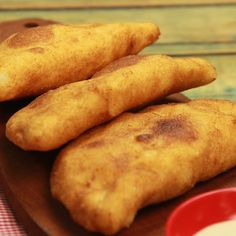 Empanadas Fritas – Famous Last Words Mexican Food Recipes, Snack Recipes, Cooking Recipes, Tasty Videos, Food Videos, Maseca Recipes, Buzzfeed Tasty, Colombian Food, Tiny Food