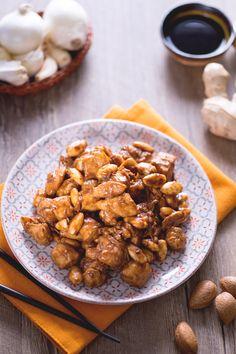 Il pollo alle mandorle, è un classico secondo piatto di origine cinese, facile da realizzare e perfetto per una cena a tema etnico! #Giallozafferano #recipe #ricetta #cucinacinese