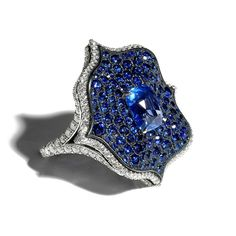BAYCO. Monochrome Lotus sapphire ring with diamonds