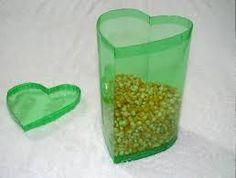 Resultado de imagen para cestos de basura con botellas de plastico