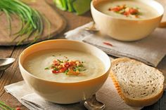 You will love this Creamy Chicken Leek Soup recipe that is made in the Instant Pot. You can serve it chunky or use an immersion blender. Potato Bacon Soup, Potato Recipes, Vegetable Recipes, Wine Recipes, Soup Recipes, Cooking Recipes, Chicken Leek Soup, Creamy Chicken, Comfort Foods