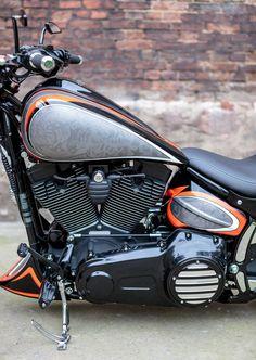 Custom Paint Motorcycle, Motorcycle Art, Custom Bikes, Harley Davidson News, Harley Davidson Motorcycles, Us Navy Tattoos, Airbrush Art, Super Bikes, Motorbikes