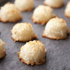 Coconut Macaroons - 5 ingredient = delicious and super easy!