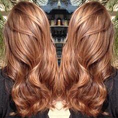 Karamel saç rengi tonları nelerdir ve karamel saç rengi trendlerinden ten uyumunuza göre saç rengi seçimi hakkında bilgileri öğrenebilirsiniz.